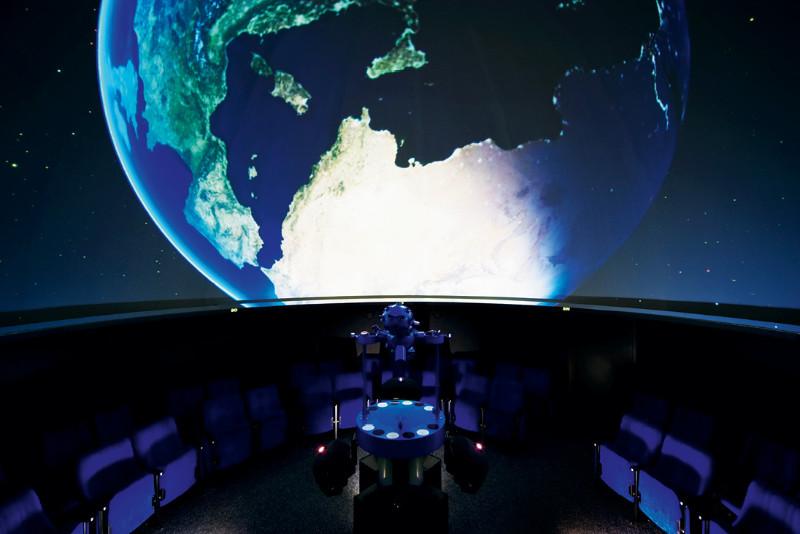 01URANIA-Planetarium_Yvonne_Dickopf_Brabu
